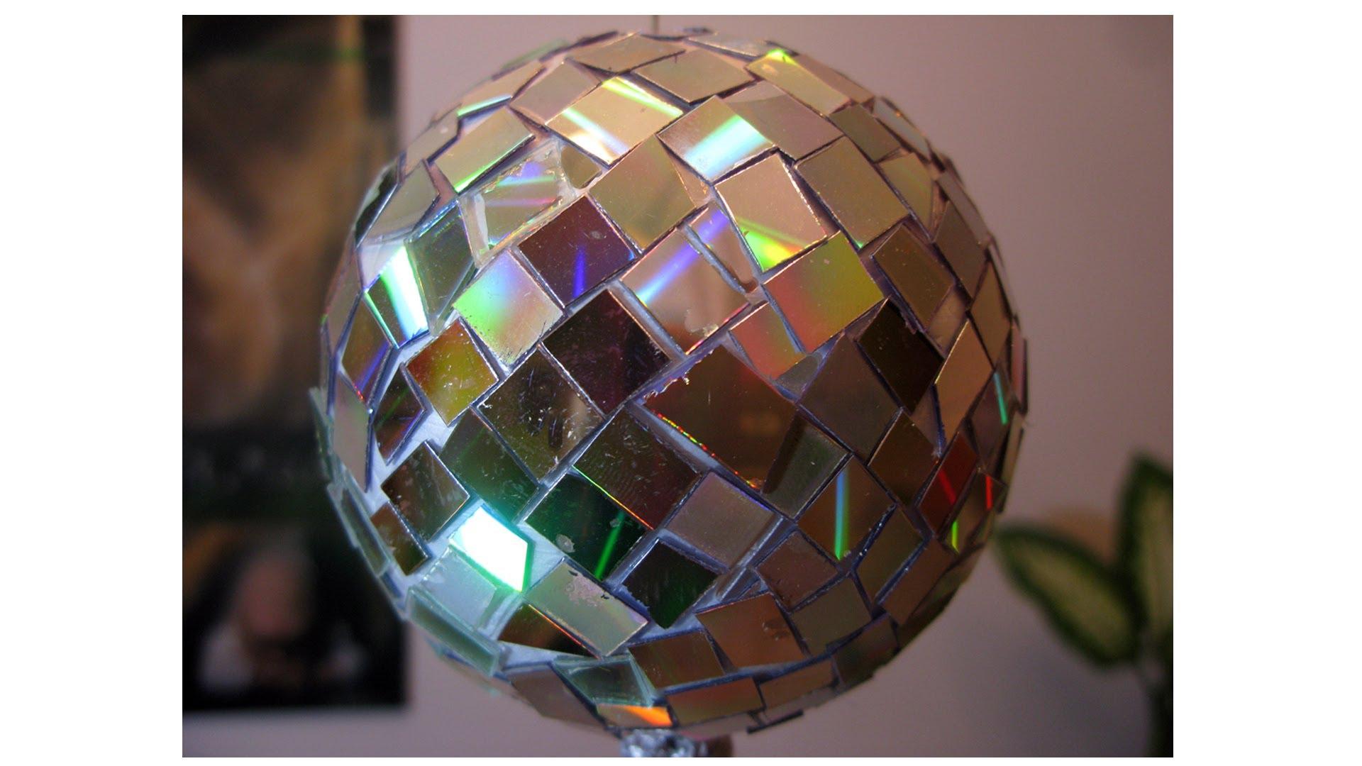 bola de porex con espejos o cd